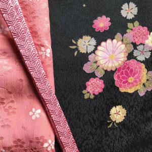 ピンクの帯揚げ・帯締めと着物の人揃い